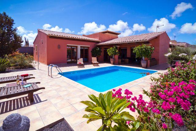 Villa for rent in Corralejo. Private holiday home – Corralejo, Spain for rent #spain #holidays #villas #property