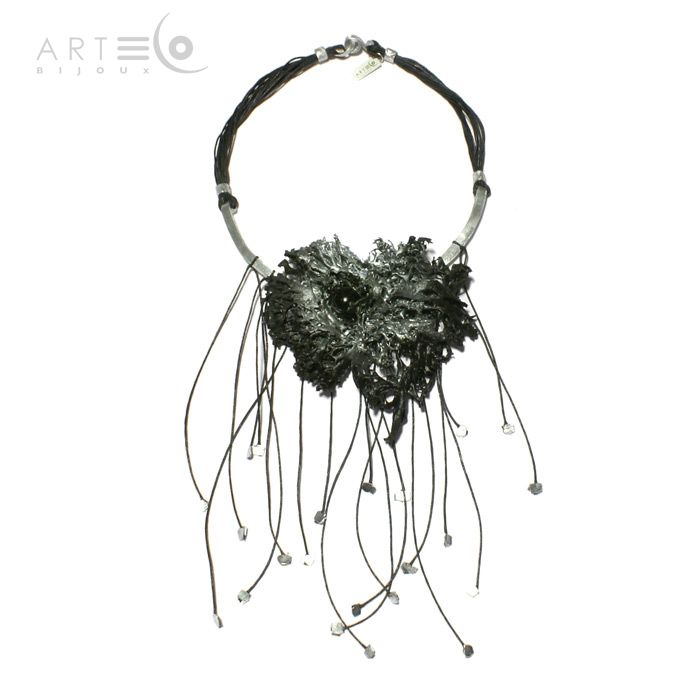Necklace-choker realized with black/silver-plated lichen, little black wooden ball, aluminium finish and black waxed rope. Buy it on ArtEco's Etsy shop! https://www.etsy.com/listing/201799508/necklace-choker-realized-with