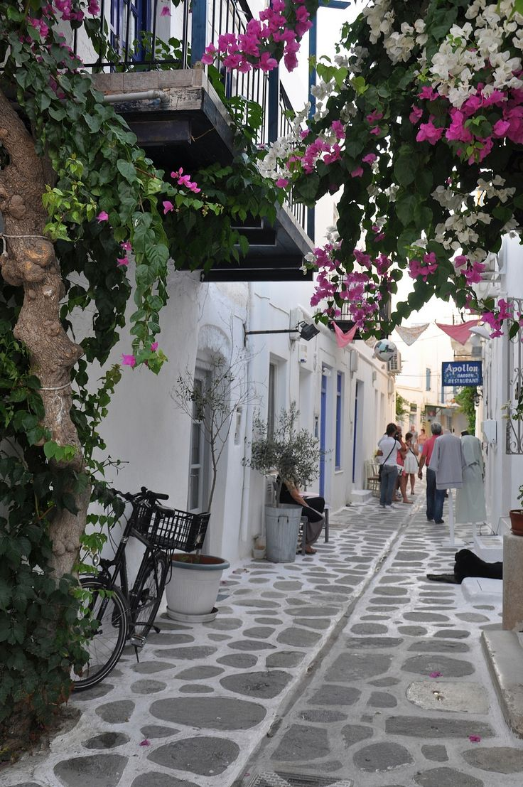 Village of Parikia on de island of Paros in Greece