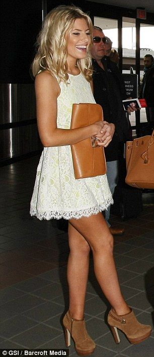 Love this dress, I do not like the shoes lol I mean she looks good with them, I just personally don't like them