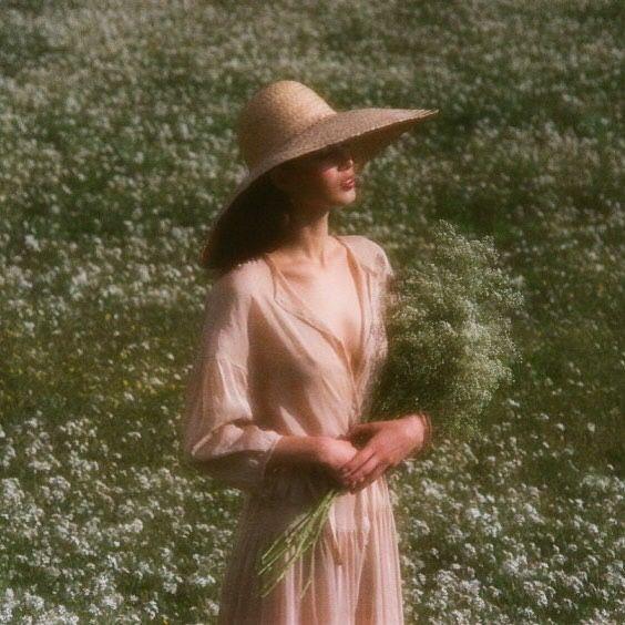 "552: ""5oil: ""https://instagram.com/p/BFLTavsMqrf/ "" Me this summer """