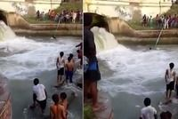 This is simply amazing.<div><br></div><div>Two sikh men defied their religious beliefs, and helped save the lives of 4 boys with their Turban.</div><div><br></div><div>The boys, who had come for the immersion of Ganesha idol, got into the water, but suddenly, a gush of water came and the boys got washed away.</div><div><br>Seeing this, Inderpal Singh took off his Turban and tossed it towards the youth.</div><div><br></div><div>Well done. Such heroic tales truly make my day.</div> itimes.com
