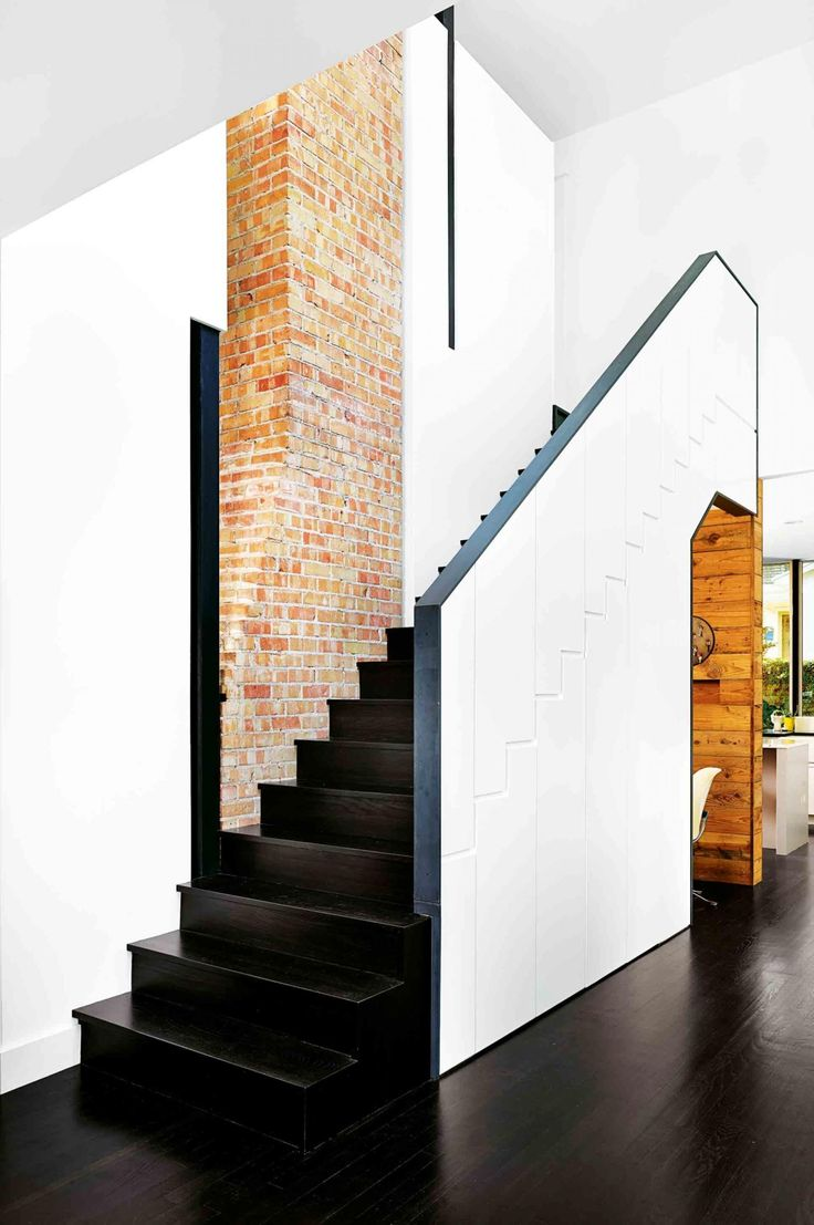 6 statement staircases to inspire. From the May 2016 issue of Inside Out magazine. Project by Hugh Randolph. Photography by Casey Dunn. Available from newsagents, Zinio,www.zinio.com, Google Play, https://play.google.com/store/newsstand/details/Inside_Out?id=CAowu8qZAQ, Apple's Newsstand, https://itunes.apple.com/au/app/inside-out/id604734331?mt=8&ign-mpt=uo%3D4, and Nook.