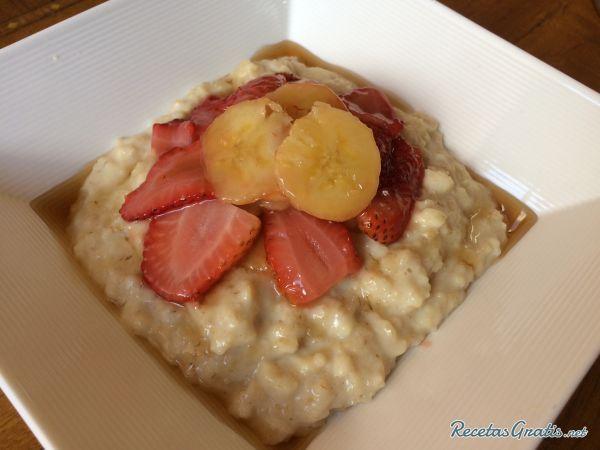 Avena cocida con plátano y fresa #Recetas #RecetasFáciles #Desayuno #Breakfast…