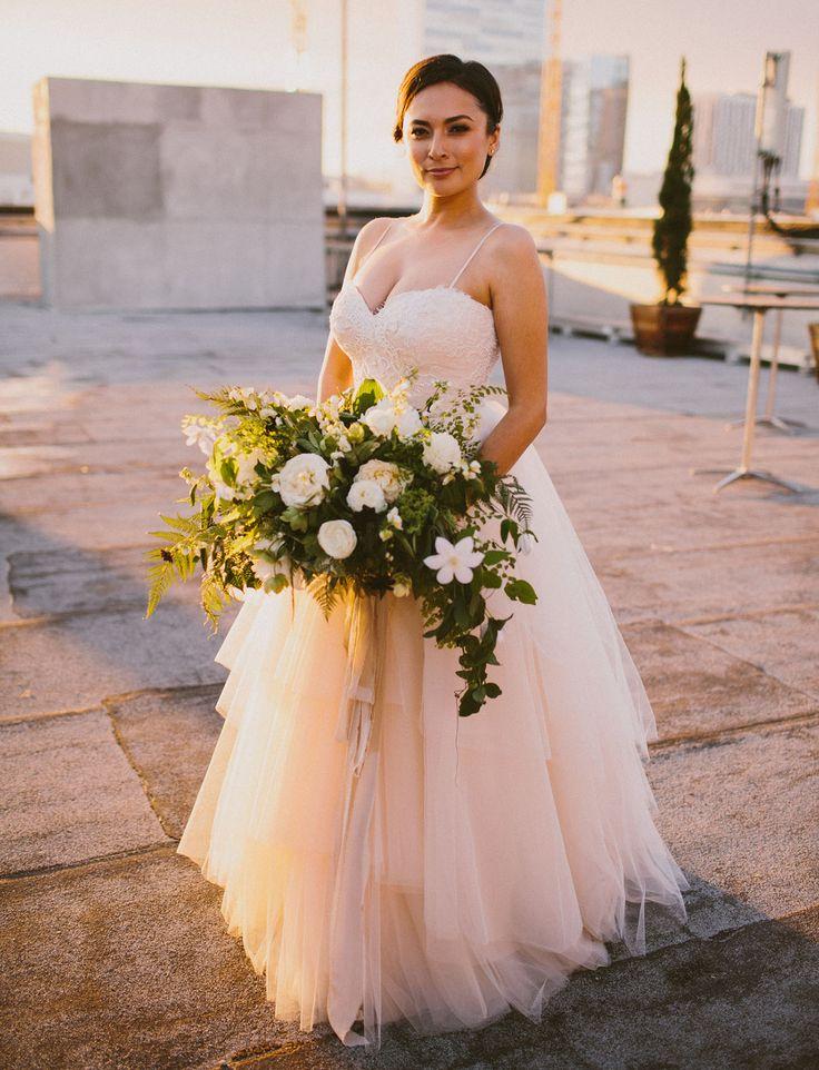 Modern loft wedding in downtown los angeles andrea cory for Downtown los angeles wedding dresses