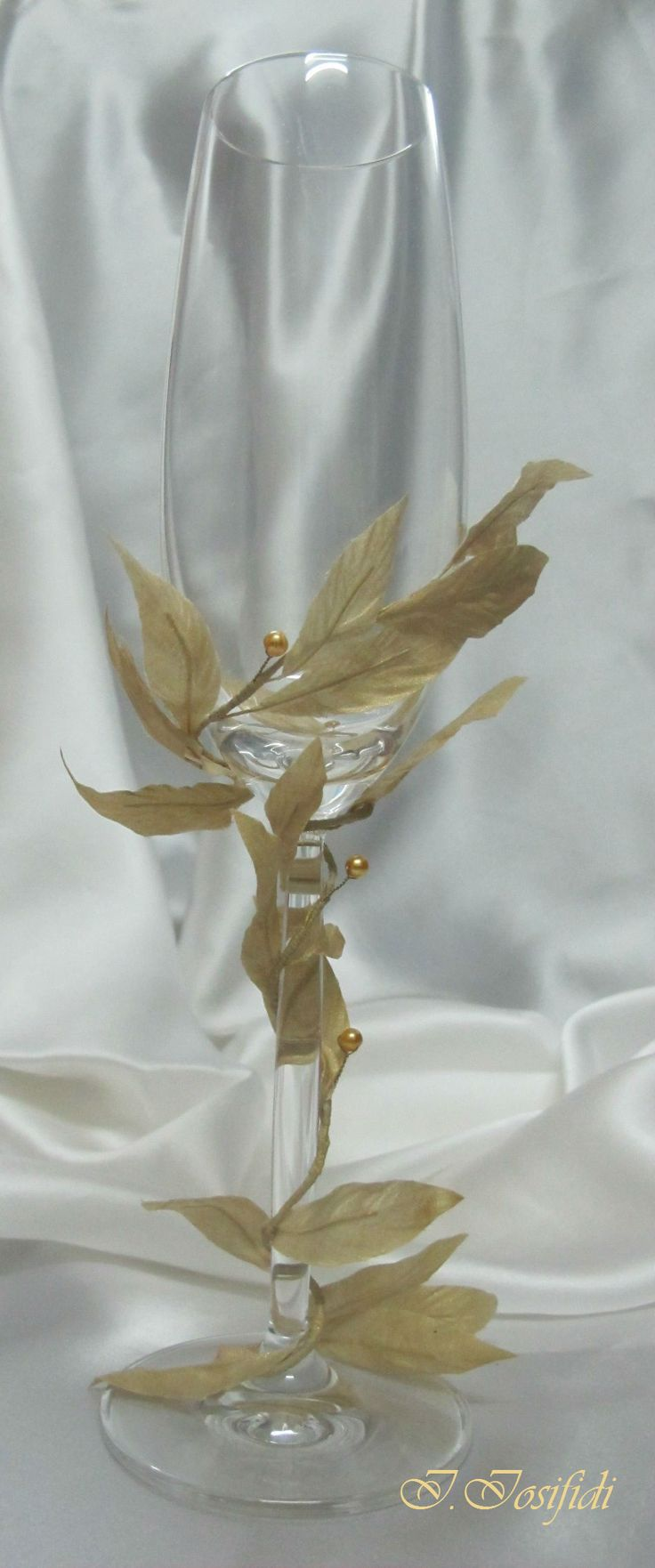Removable wedding glass decoration for removable glass decoration for antic greek wedding style.
