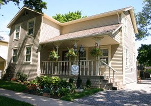 AMARULA HOUSE a Bed and Breakfast in Niagara-on-the-Lake.  Where Friendship, Culture and History are Shared!