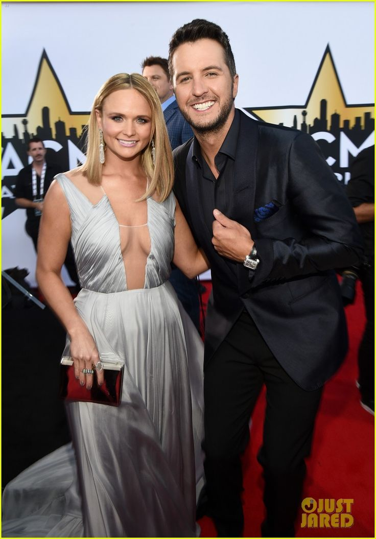Miranda Lambert Shows Lots of Leg at the ACM Awards 2015... Loved her dress... I was so lucky to be there !!!!