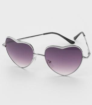 1efbba13c7349 FredFlare.com - Heart Of Glass Sunglasses - Retro Heart Shaped Glasses ·  Óculos De Sol ...