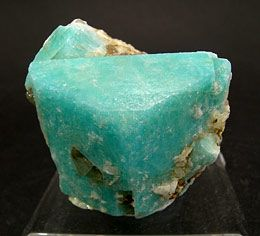 amazonite K (AlSi & sub3 ; O & sub8; ) Feldspat-Gruppe   9.FA.30 Alkalifeldspat (Mikroklin)