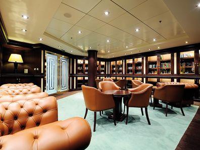 Sfeerimpressie MSC Orchestra. Al uw boeken al uit? Geen probleem, het schip biedt u ook een bibliotheek.