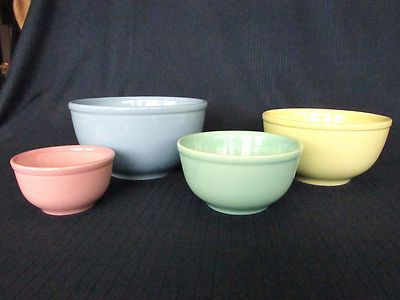 RARE Taylor Smith Taylor Lu Ray Pastel Set of Four Nested Mixing Bowls
