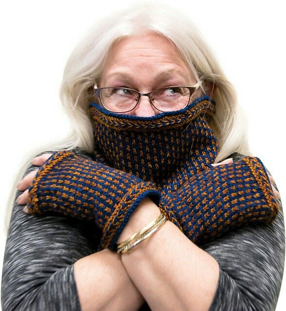 SOS Mittlets and Cowl - By Knitacation
