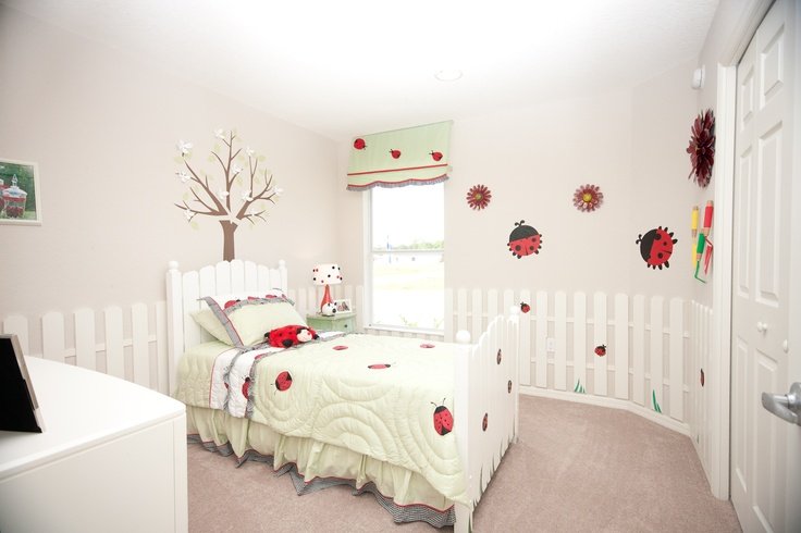 Ladybug room - I like the fencing around the room and little bits of grass painted in. Loving the tree! You could let them decorate it for each season!! I like that this one is clean looking, but not quite enough color :)