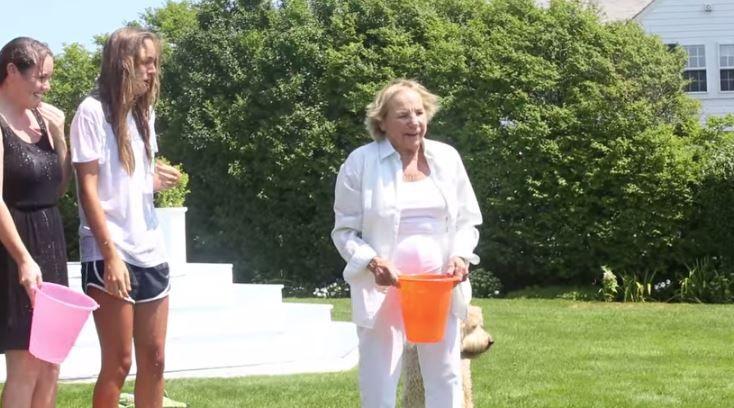 """Familia  Kennedy Se Unen Al """"Ice Bucket Challenge"""" El Reto Del Cubo De Agua Fria Con Hielito #Video"""