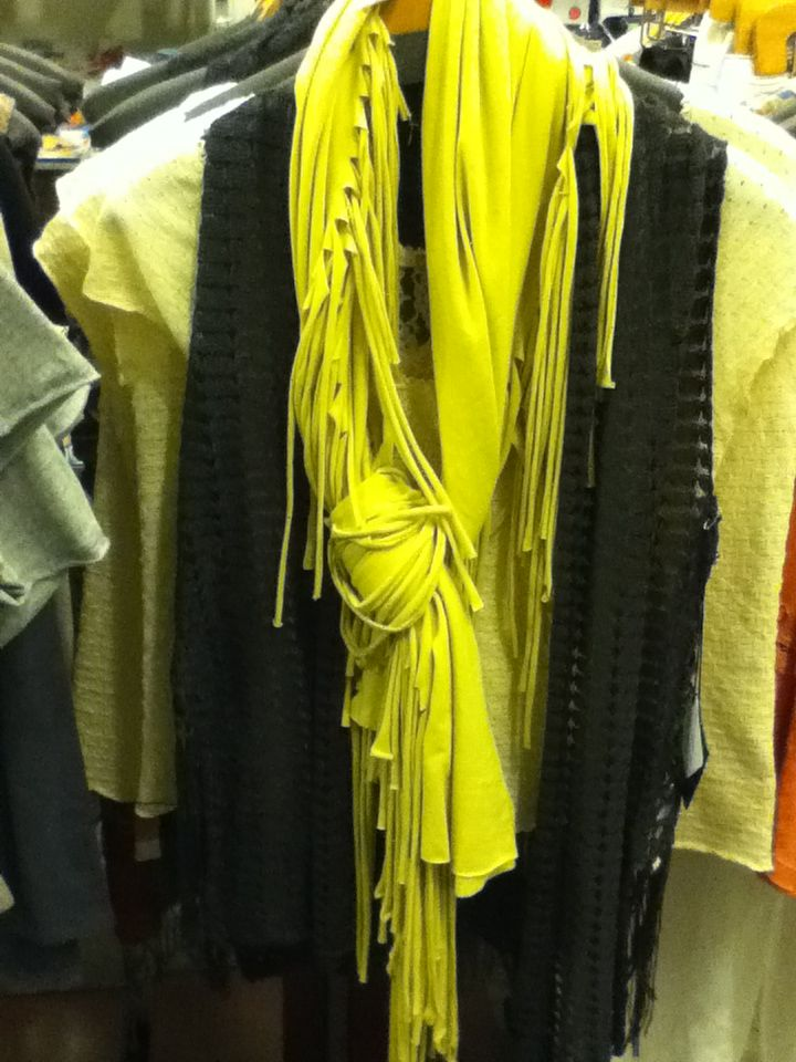 how to make a fringe infinity scarf from a t shirt
