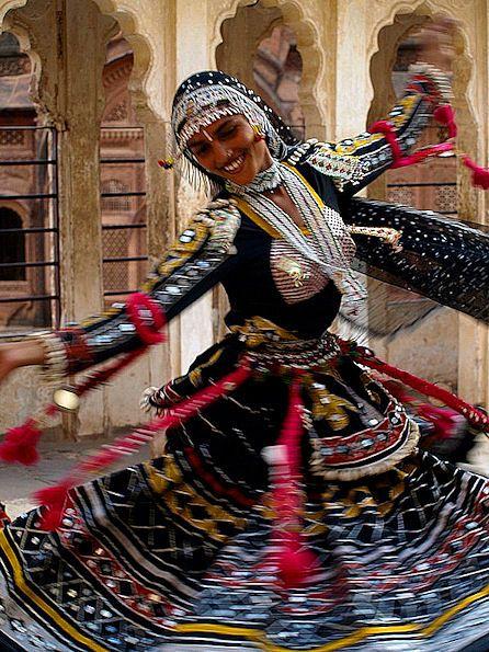 Kalbelia dancer, outside Mehrangarh Fortress, Jodhpur, Rajasthan, India.