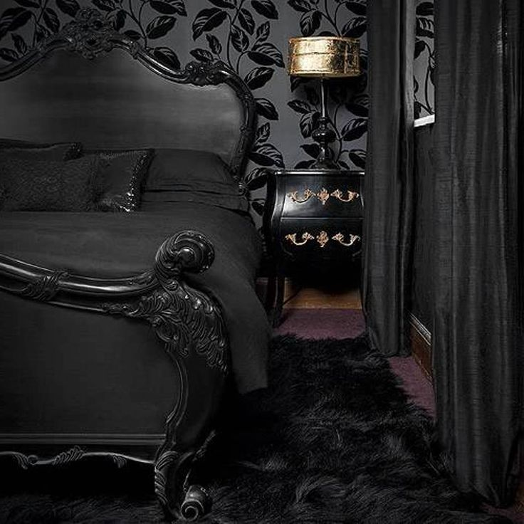 Gothic Bedroom Decor Ideas