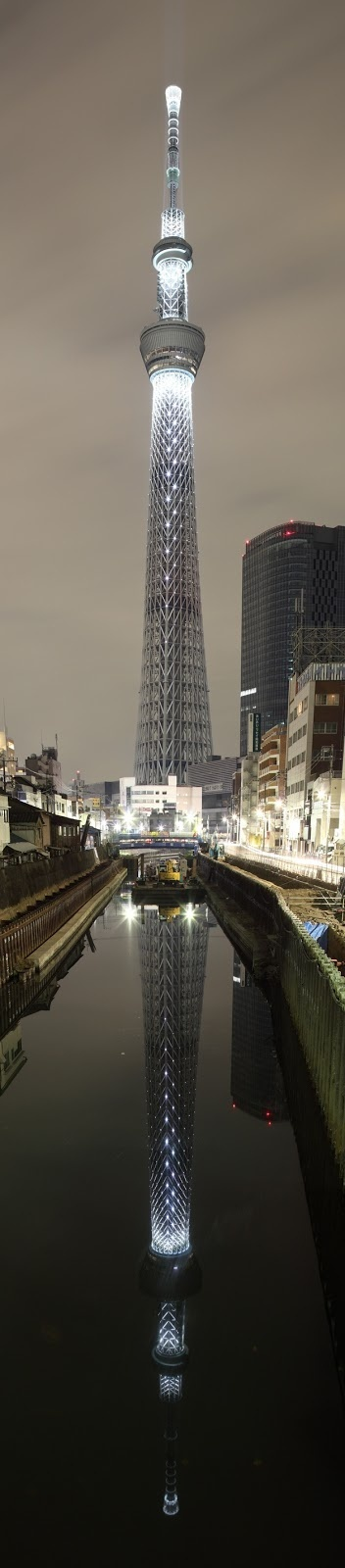 Tokyo+Skytree,+Japan....and its', reflection in the reflecting pool...