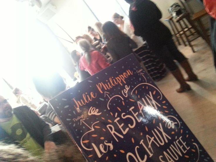 Au lancement du livre de Julie Philippon. Du beau monde... @Mamanbooh #livre