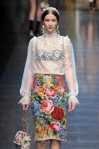 Схемы вышивки: цветочная вышивка снова в моде