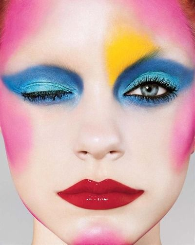 i-d-pinki-blue-makeup - Fun play with color