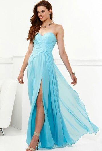 Omg! That blue dress!! :-D♥