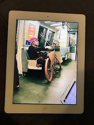 Apple iPad 4th Generation 64GB Wi-Fi 9.7in - White