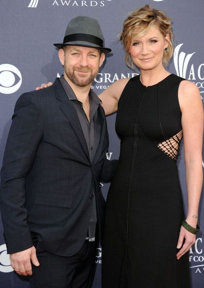 I meet Kristian Bush from Sugarland @ our Vegas hotel (Four Seasons) the days after the 2011 CMA's.  (is truly a nice man)