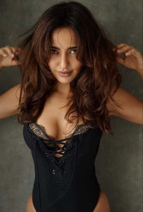 Cleavage Anna Sharma nudes (71 photo) Ass, YouTube, braless