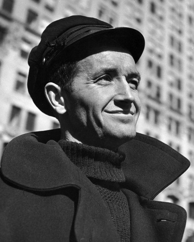 Woody Guthrie Biography