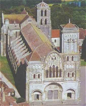 139 best v zelay yonne france images on pinterest for Architecture romane