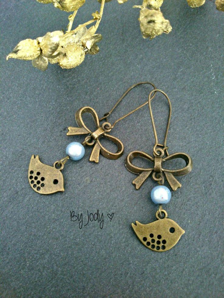 Boucles d'oreilles bronze - L'oiseau bleu : Boucles d'oreille par by-jody