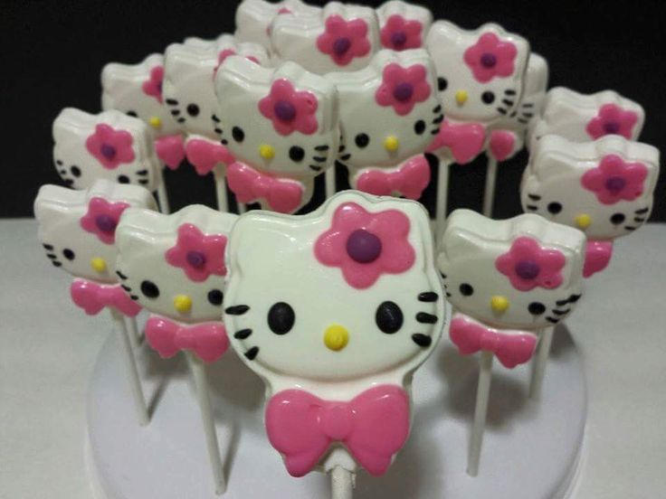 Hello Kitty Chocolate Lollipop by ClaudetteEdibleCreat on Etsy https://www.etsy.com/listing/249250317/hello-kitty-chocolate-lollipop