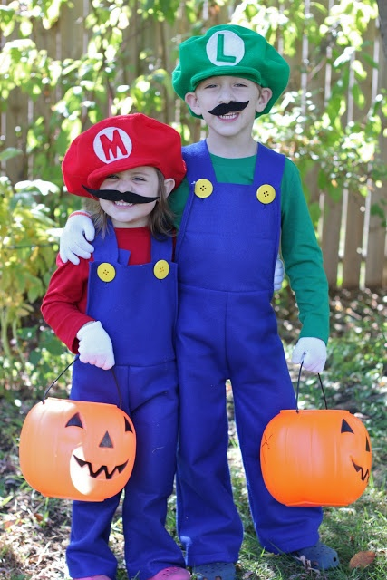 """It's a-me, Mario!"" Craft these timeless Mario and Luigi Costumes for Halloween with this crafty tutorial by Smashed Peas and Carrots."