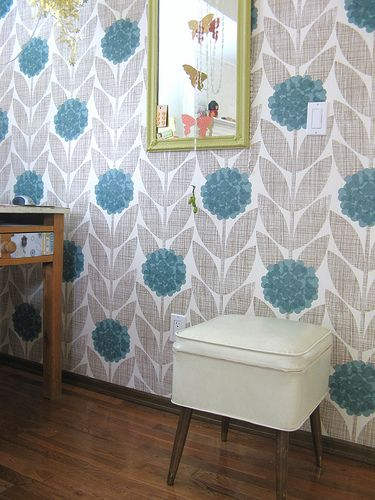 Orla Kiely Flower Blossom Wallpaper @jordiepool  FOUND IT!!