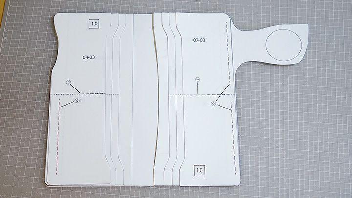 レザークラフト型紙を並べる Has link to pattern