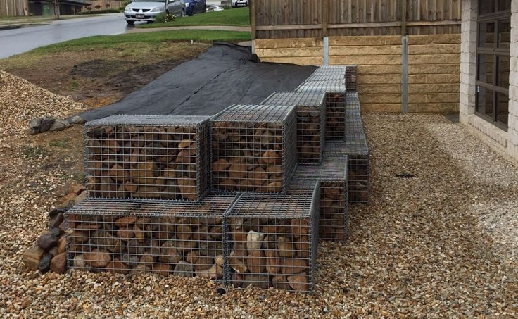 Wire mesh panels for rock retaining walls from www.gabionbasketsqueeensland.com