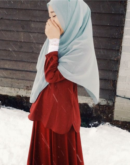 Liani style inspiration  midnightlulliby:  I am actually really happy it's snowing!!! ^^