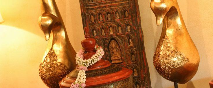 Un savant mélange d'artisanat Asiatique. #zazen #Samui #Souvenir #Antique