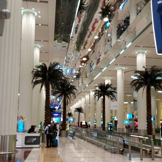 Dubai airport sure is shiny. Lots of mirrors.