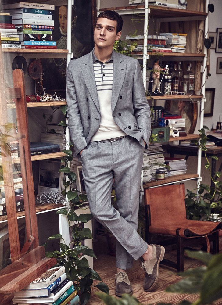 2016-06-03のファッションスナップ。着用アイテム・キーワードはグレースーツ, ダブルスーツ, ドレスシューズ, ポロシャツ, ポートレート,etc. 理想の着こなし・コーディネートがきっとここに。| No:145742