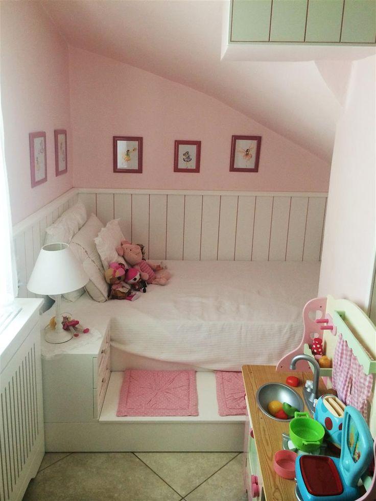 Ειδική κατασκευή παιδικού κρεβατιού από λάκα με τεχνοτροπία πατίνας.