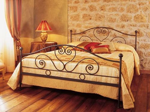 cama de ferro <3: Ems Ferro, Cama De Hierro, Pale Pink Bed, Camas De, Cama Ems, Decor Casa, Decoration Ems,  Day Beds, Iron