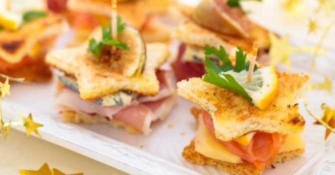 Jamais démodé, l'apéritif dînatoire apparaît toujours comme un grand classique lors de vos soirées d'anniversaires et vos apéritifs entre amis !