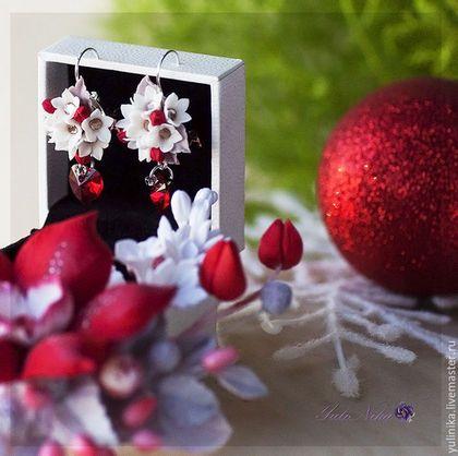 Купить или заказать Брошь и серьги 'Огненная орхидея 2016' в интернет-магазине на Ярмарке Мастеров. Комплект Брошь и серьги! Огненная орхидея! Цветы очень нежные изящные! А искорки хрустальных сердец Сваровски подчеркнут вашу страсть! Брошь и серьги очень легкие, не ломкие. Выполненные вручную из самозатвердевающих полимерных глин. Сереги на основе из Серебра 925 пробы.