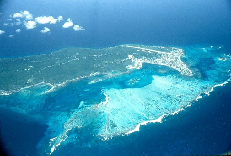 this is the place where pirate redbeard or barbarossa use to hide his treasures, San Andres, Colombia!