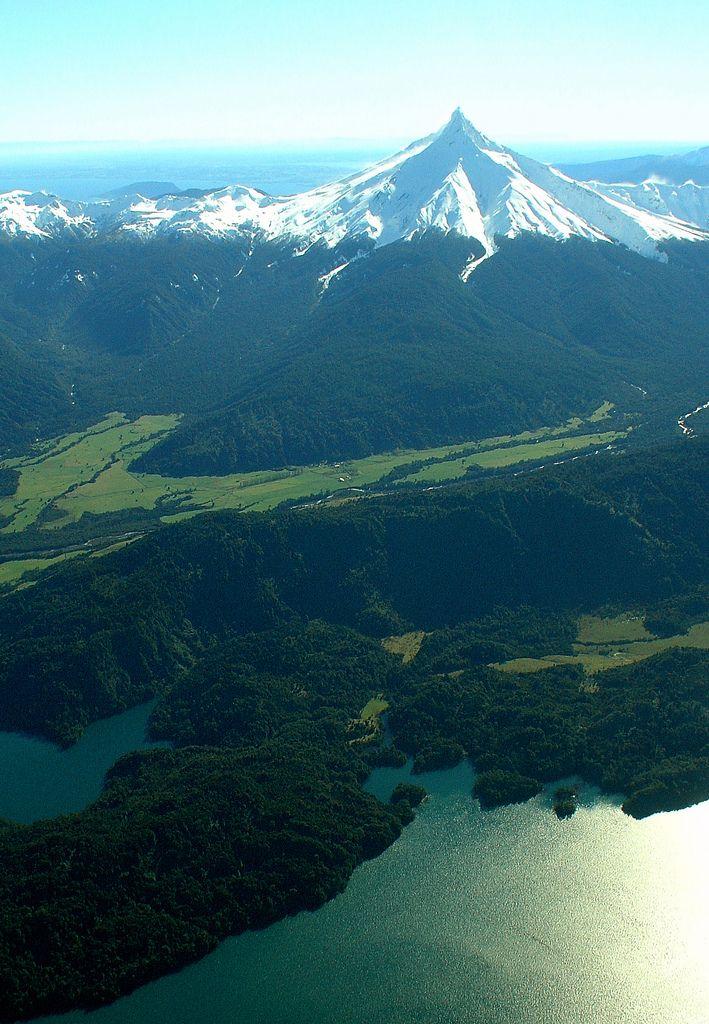 Volcan Puntiagudo, Region de Los Lagos, Chile