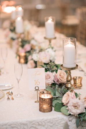 Pillar Candle and Rose Garland Centerpiece | photography by http://www.kristenweaver.com/