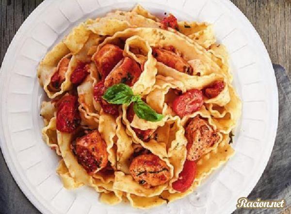Рецепт Паста с красной рыбой и помидорами черри. Приготовление   блюда